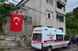IĞDIR'DA TERÖR ÖRGÜTÜ PKK'NIN DÜZENLEDİĞİ HAİN SALDIRIDA ŞEHİT DÜŞEN POLİS MEMURU YUSUF YELKENCİ'NİN ZONGULDAK'TA BULUNAN BABA OCAĞINA ATEŞ DÜŞTÜ. (SERTAÇ ÖZDEMİR/ZONGULDAK-İHA)