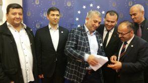 Milletvekili Külünk'e, Zonguldak Havalimanı'yla ilgili bir mektup sunuldu